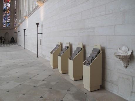 Tout pour plaire - mobilier signalétique - meuble à fiches - Sainte-Chapelle du château de Vincennes - Centre monuments nationaux