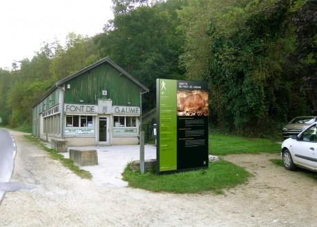 Tout pour plaire - signalétique d'accueil - Centre des monuments nationaux - Les-Eyzies-de-Tayac